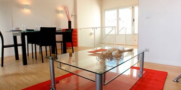 salon-mesa-apartamento-gavirental