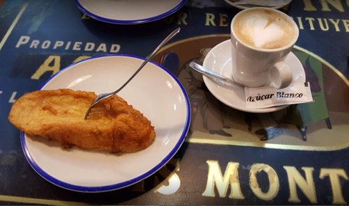 Café con torrijas