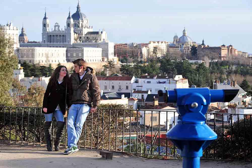 Historia de amor en madrid frente a la almudena, gavirental