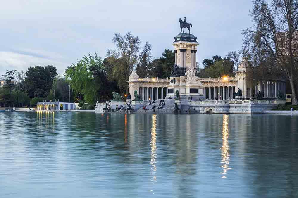 El romántico parque del retiro en Madrid, gavirental