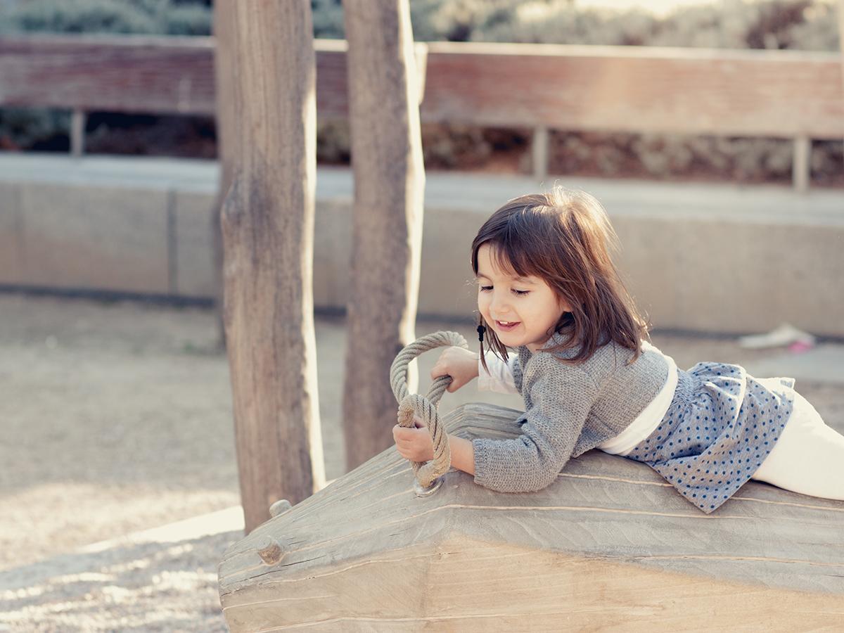 Niña jugando en Madrid, gavirental