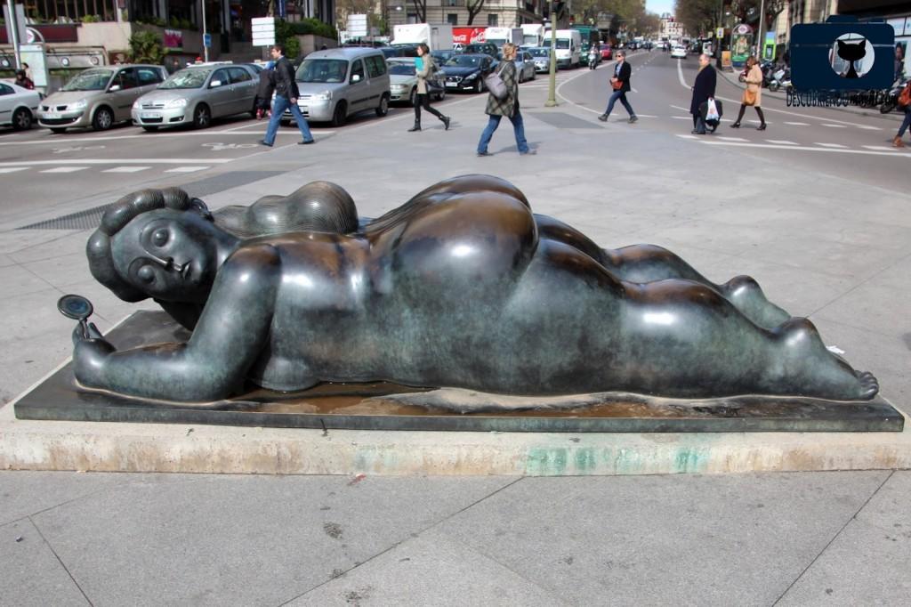 Mujer con espejo de botero, gavirental