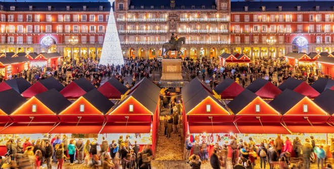 Mercado de Navidad de la plaza Mayor, turismo Madrid, gavirental
