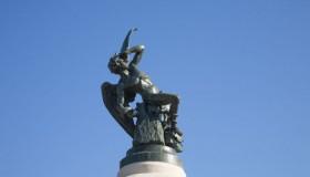 "Ruta por las ""curiosas"" estatuas de Madrid"