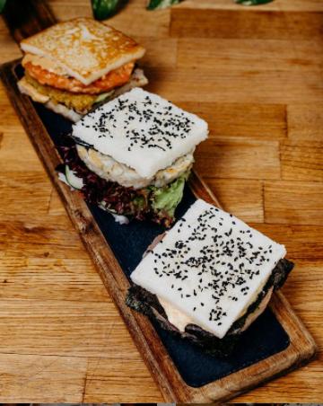 Hamburguesas de Tokio Burguer Sushi Foto: @tokioburgsushi